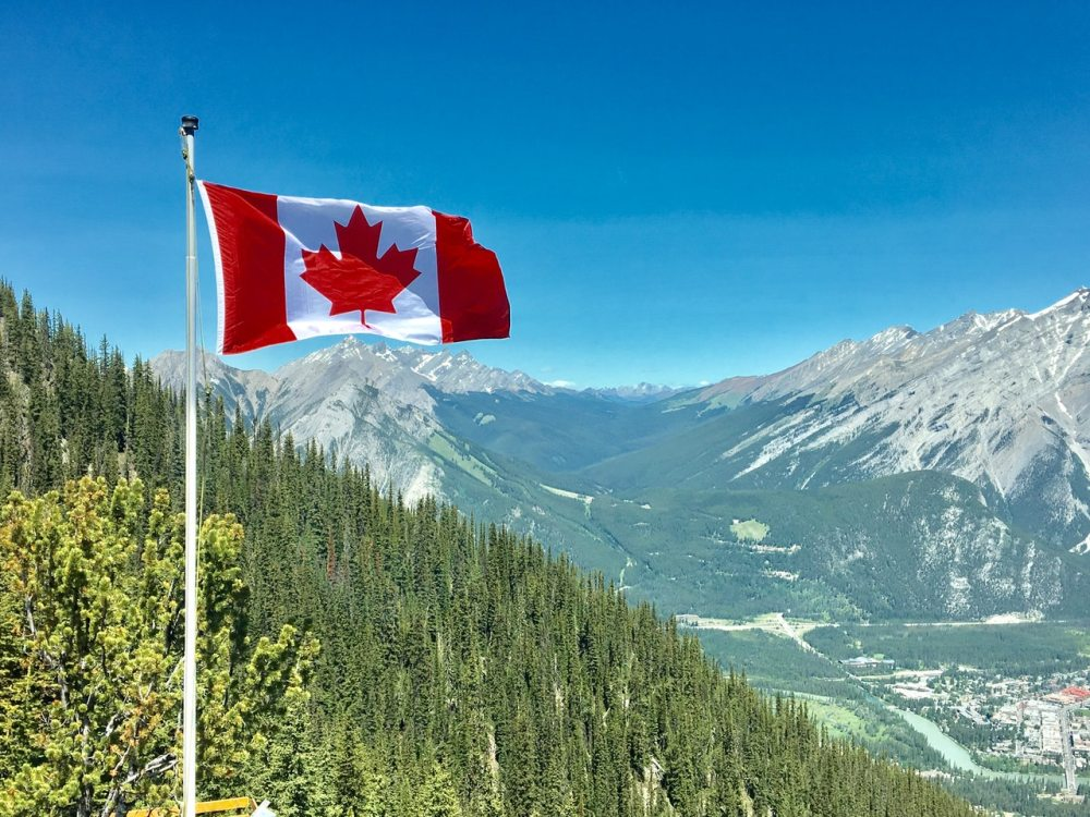 Canada wildlife flag